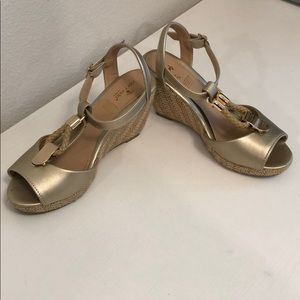 Gold wedges